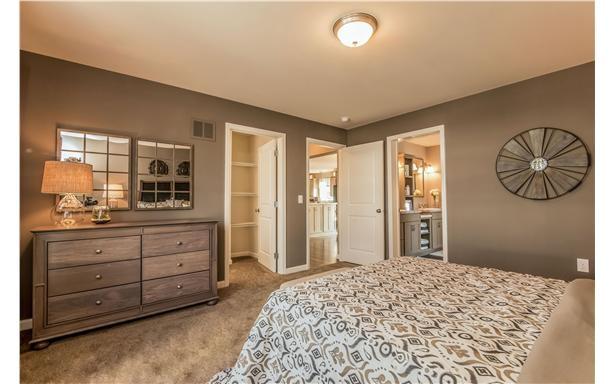 Smithtowne II-bedroom2