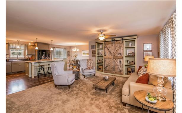 smithtowne-ii-livingroom-and-kitchen