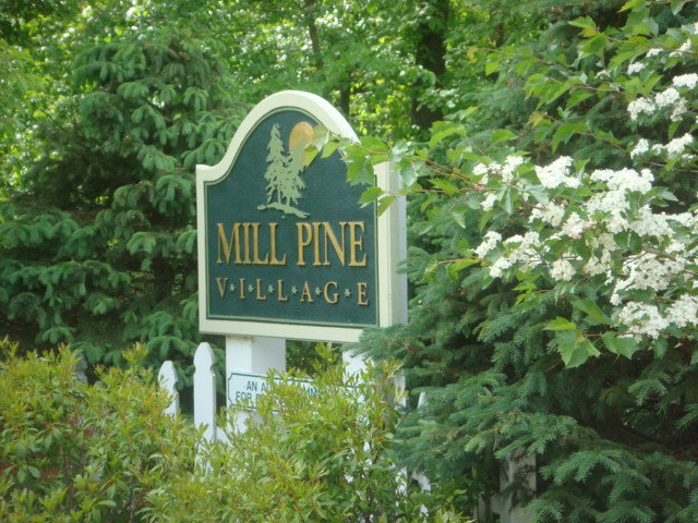 gallery-grounds-2010-spring-sign